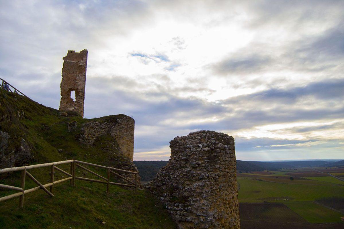 Ruinas del castillo medieval de Calatañazor