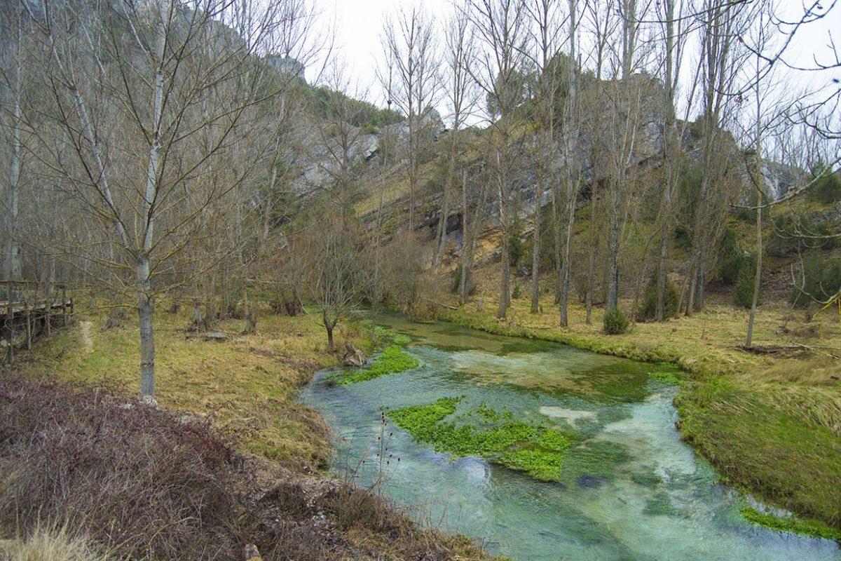 Vistas al río cerca de la ruta