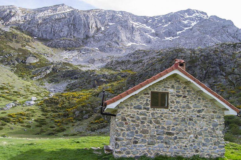 Refugio ubicado en la Senda de Mazobre