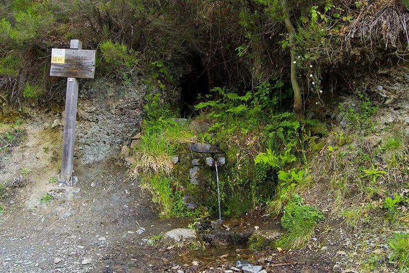 Fuente de Juan Álvarez, en Noceda del Bierzo. Ruta de las Fuentes Medicinales
