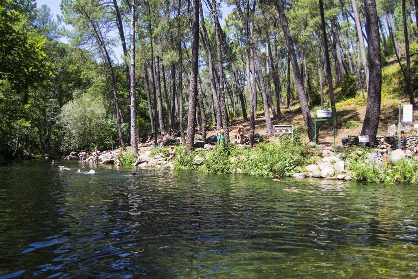 Piscinas fluviales del río Pelayo