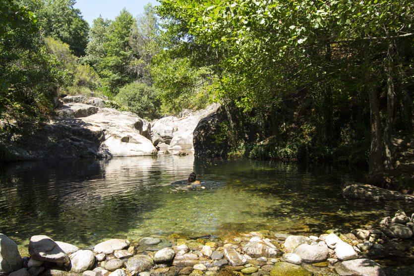 Piscinas naturales cerca de Arenas de San Pedro