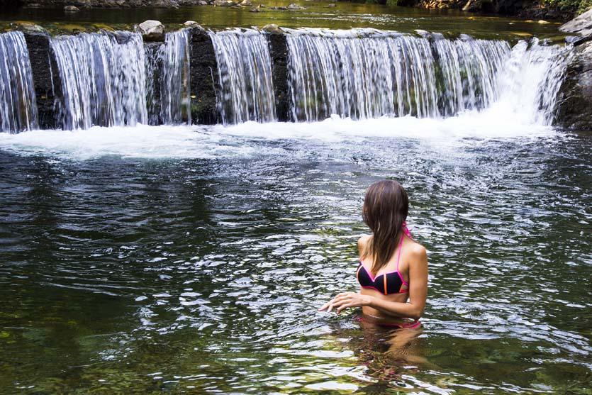 Bañándonos en el Rio Boeza, en Igüeña