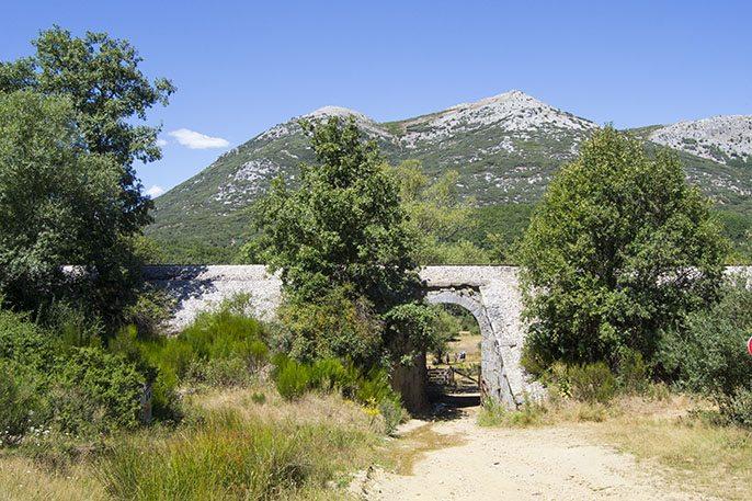 Puente del Ferrocarril en la Senda de la Tejeda de Tosande