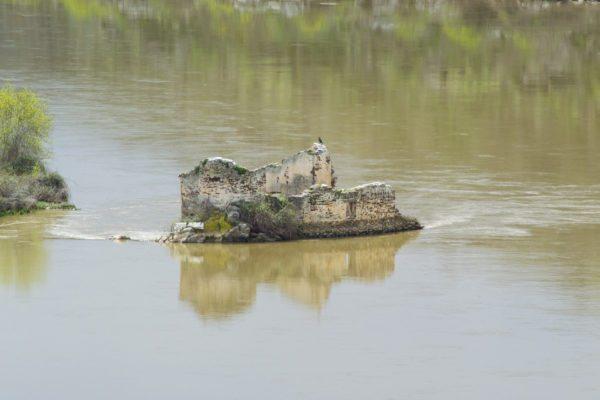 Ruinas en el duero, cascada de las pilas