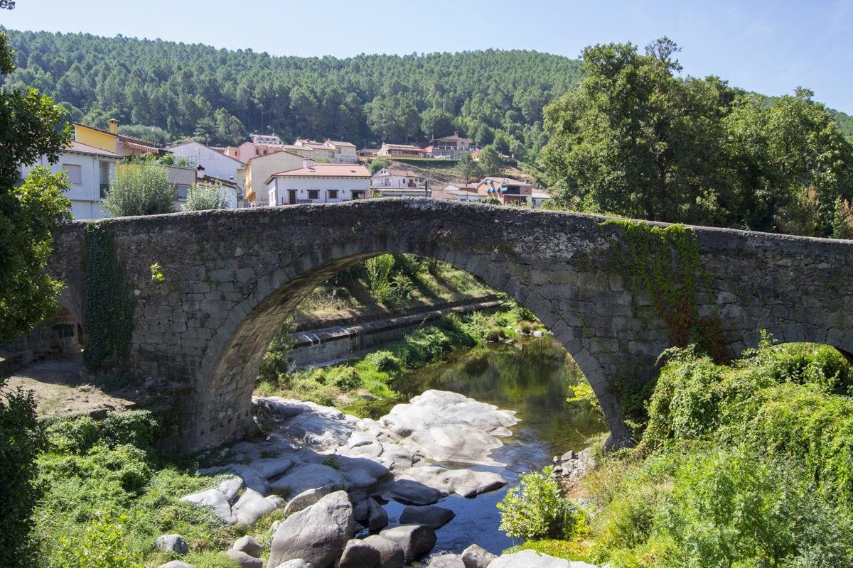 Puente romano Senda de los Pescadores en Arenas de San Pedro
